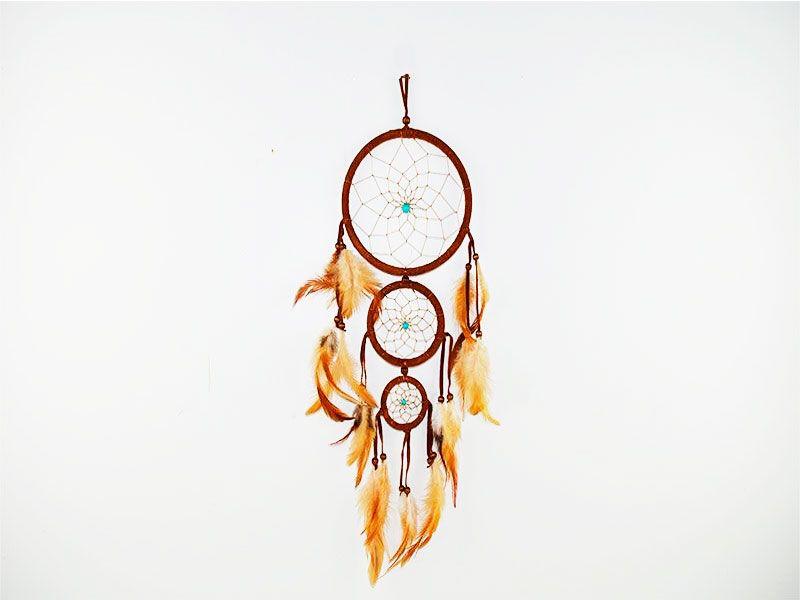Atrapasueños marrón de 3 aros con plumas y bolas turquesa