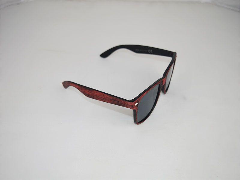 604c752dce Gafas de sol con montura tipo desgaste roja con lentes negras
