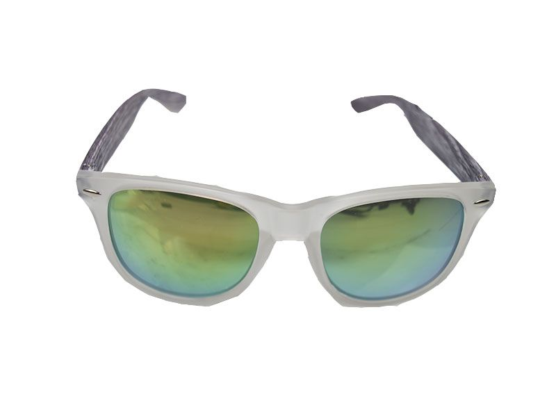b11e86f6cd Gafas de sol woody lentes verde grisáceo con patillas estilo madera gris