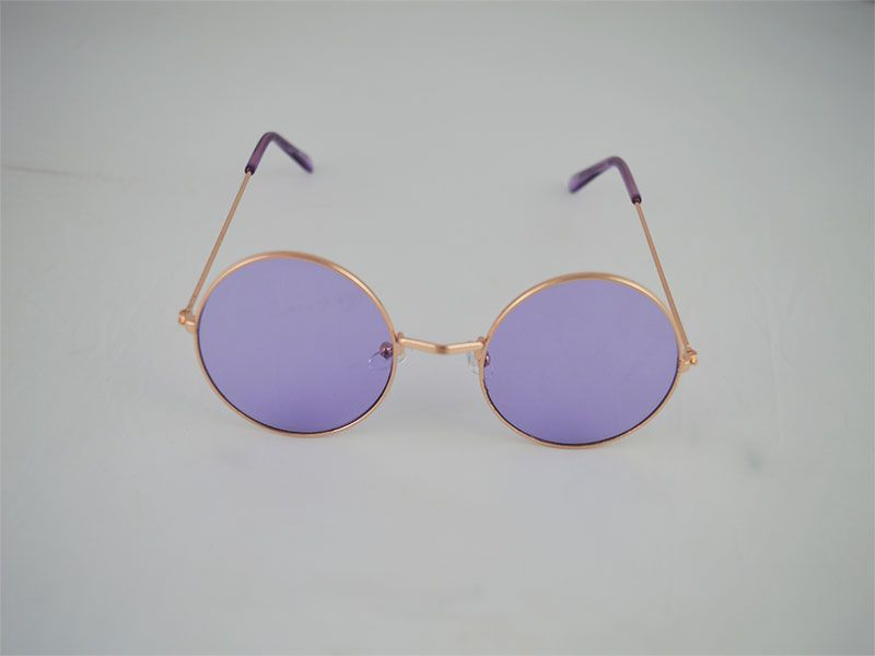 3fe6eec9c3 Gafas de sol redondas con fina montura lentes moradas