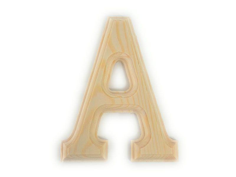 Elegante letra  A del abecedario castellano realizada en madera maciza de primera calidad