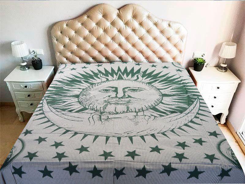 Tela mandala con decoración del Sol y la Luna verde sobre fondo blanco a raya 100% algodón