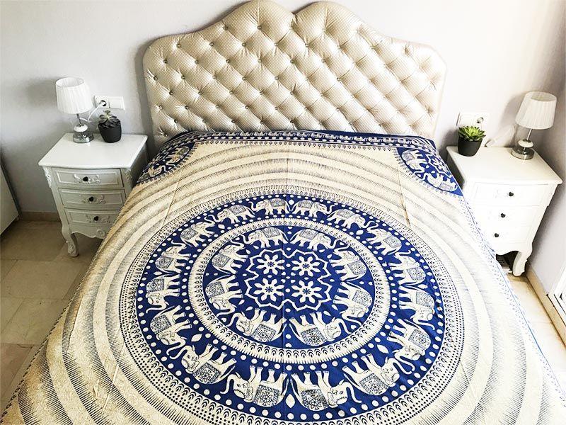 Tela mandala elefante color negro y tapiz blanco