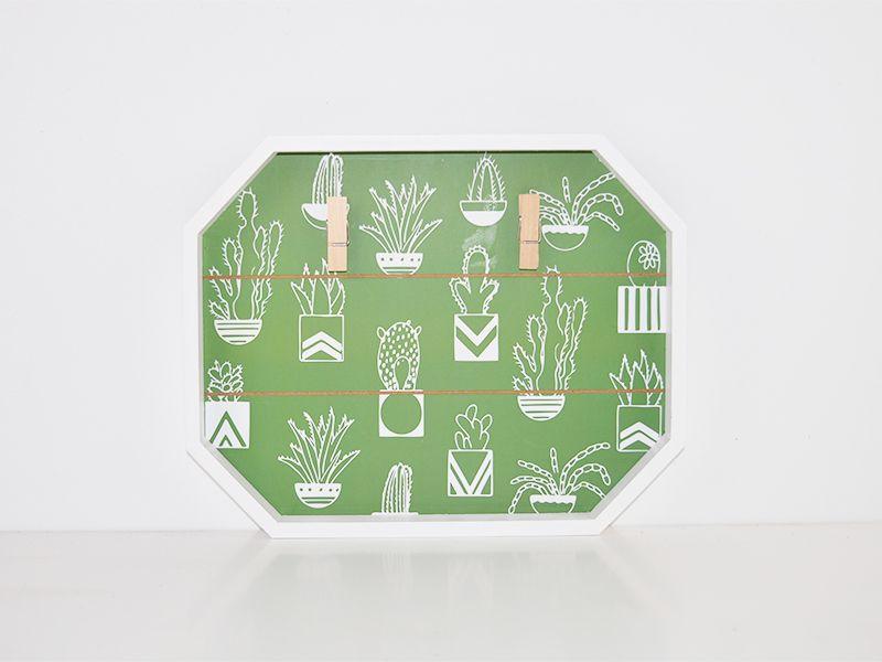 Panel porta fotos madera y cactus con pinza