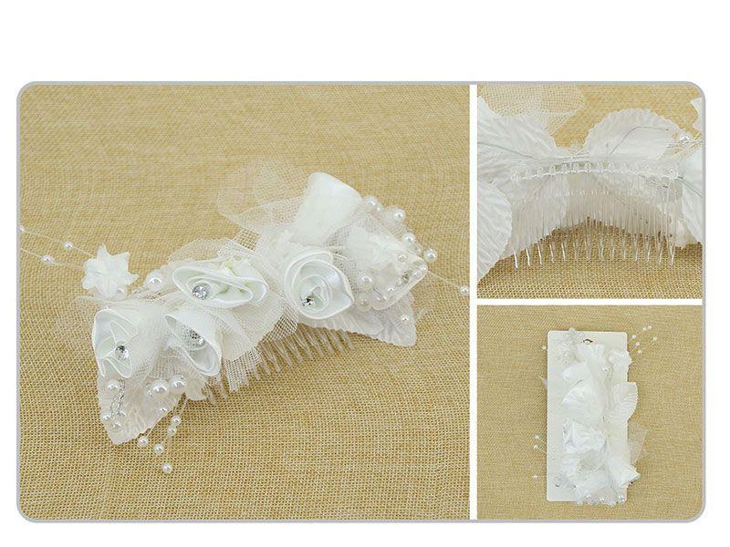 Peineta para el cabello con flores blancas y perlas decorativas
