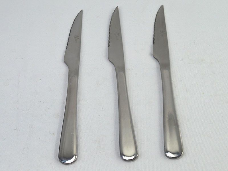 Set 3 de cuchillos chuleteros de acero inox totalmente liso con mango  redondo ae299883bc26