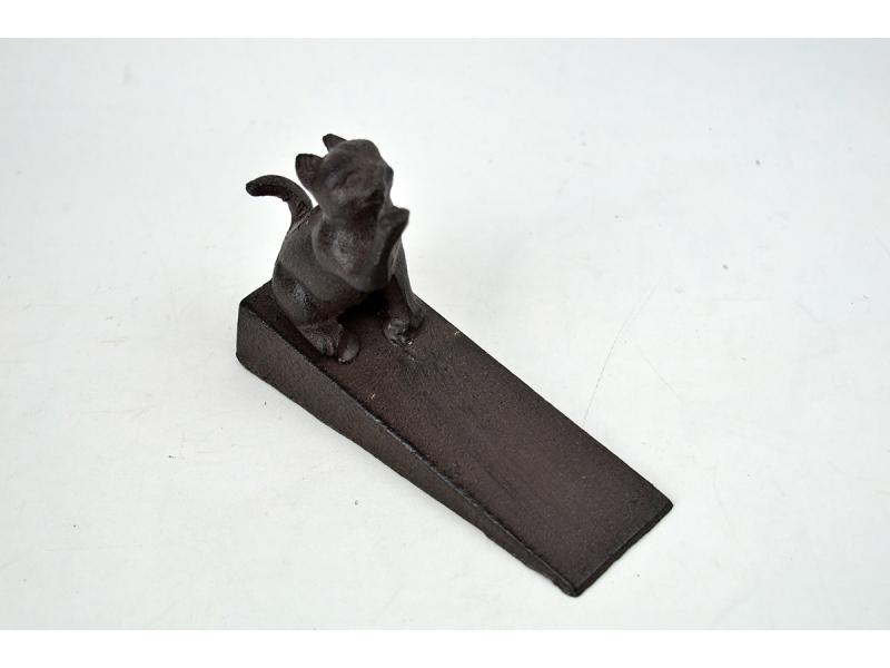 Sujeta puertas de hierro colado con gato for Hierro colado